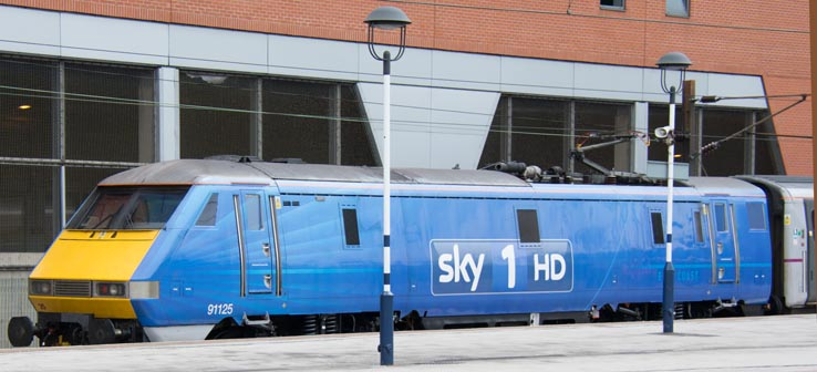Class 91 in Sky 1 HD colours at Doncaster