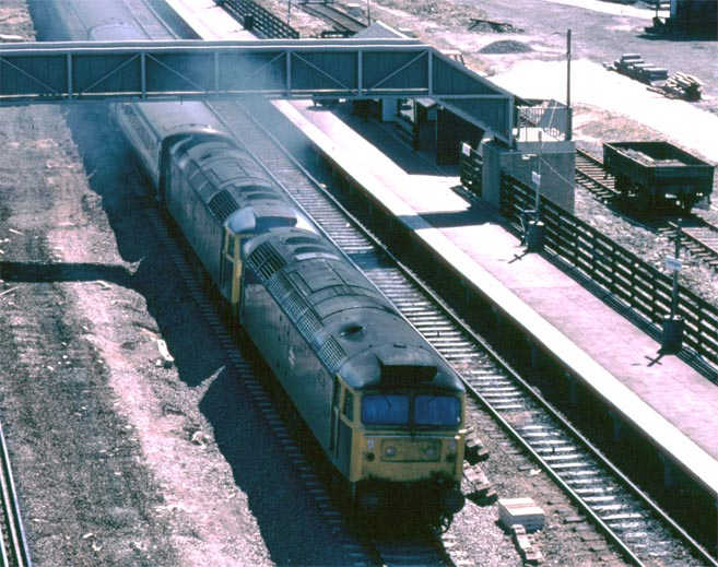 Two class 47s on the down fast