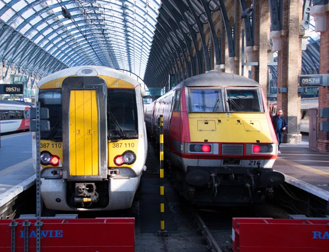 Great Northern class 387 110 EMU and Virgin East Coast DVT