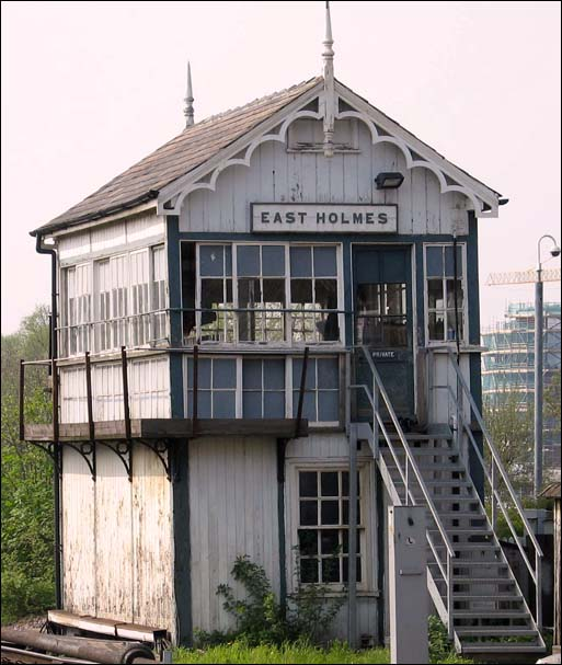 East Holmes signal box in 2005