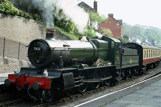 7822 Foxcote Manor in Llangollen station