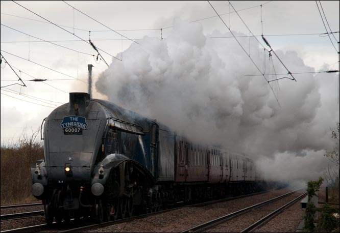 A4 LNER A4 Class 4-6-2 no 60007 Sir Nigel Gresley in 2009