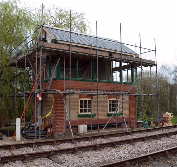 Thuxton signal box in March 2012
