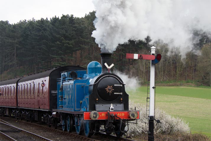 C.R 0-4-4T into Weyboure on Saturday 6th April 2019