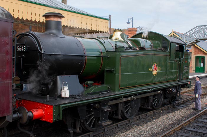 GWR 0-6-2T 5643