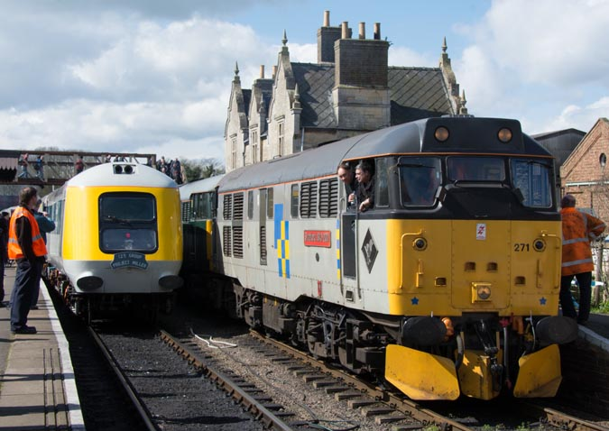 Class 31271 and class 31452 and Prototype HST 41001  in Wansford station