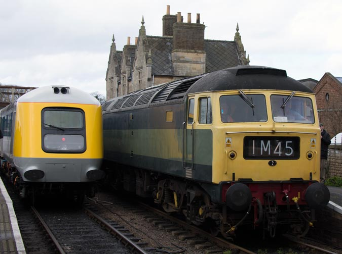 Prototype HST 41001 and class 47 at Wandford in 2016