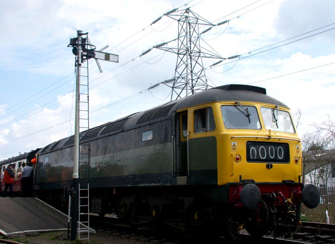 Class 47 (Brush Type 4) in two tone green with the number 1842