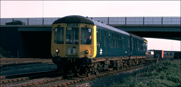 Peterborough to Stamford DMU at Walton