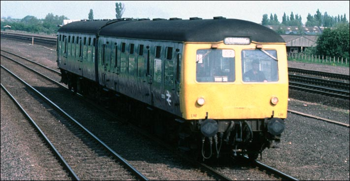 A DMU from Stamford to Peterborough at Walton