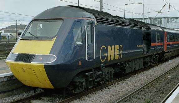 GNER HST at Peterborough station in 2005