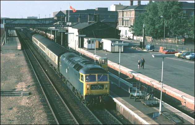 Class 47 on a up train in platform 2 at Peterborough