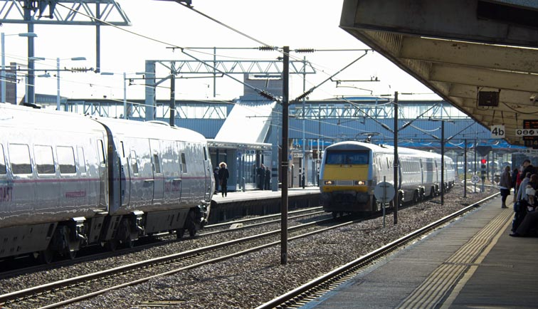 East Coast class 91107 on the down fast