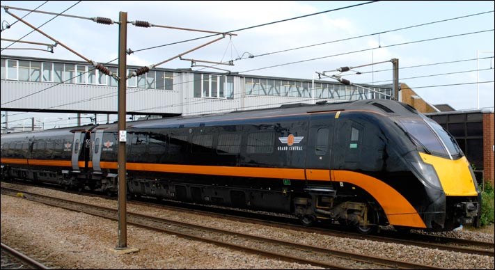Hull Trains And Grand Central 180s At Peterborough