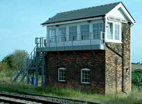 Three Horse Shoes signal box in 2003