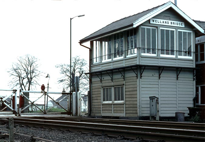 Welland Bridge signal box from the end