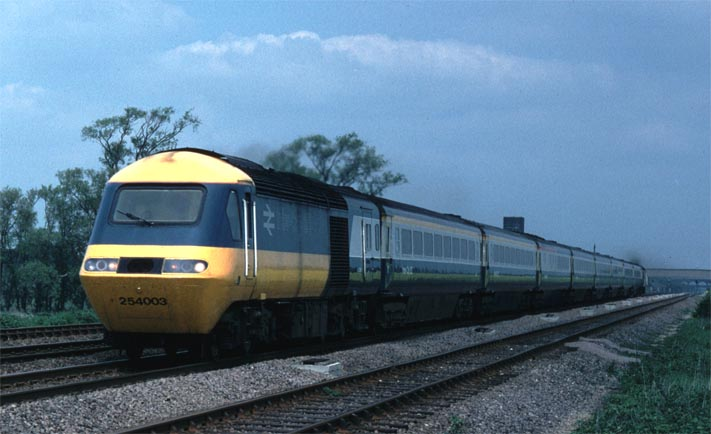 HST 254003 at Abbots Ripton