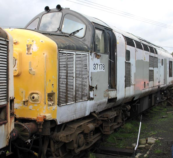 Class 370178 at Barrow Hill in 2006