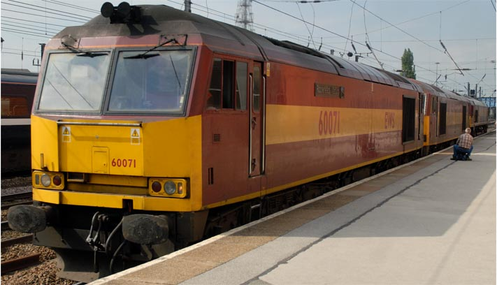 EWS Class 60 071 with a three engine convoy