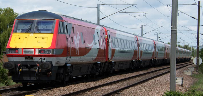 Virgin East Coast train in the new colours