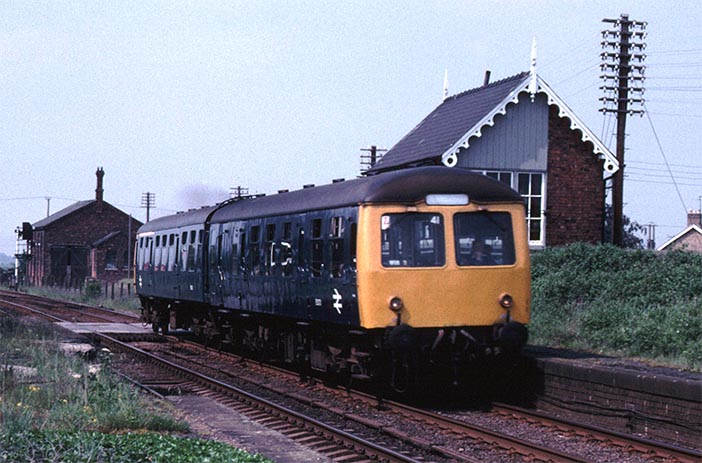 Cravens DMU at the closed Cowbit station