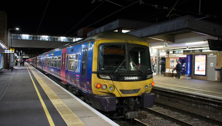 Great Northern Class 365504 in platform 2 at Peterborough