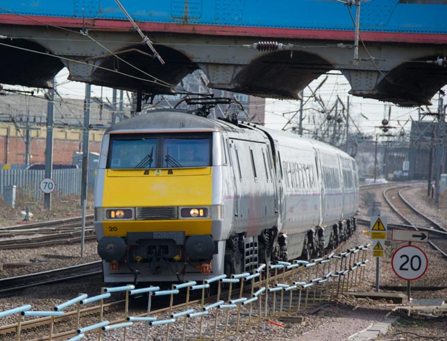 East Coast Class 91120 on the down fast