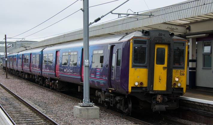 First Capital Connect Class 317 399 EMU in platform 5
