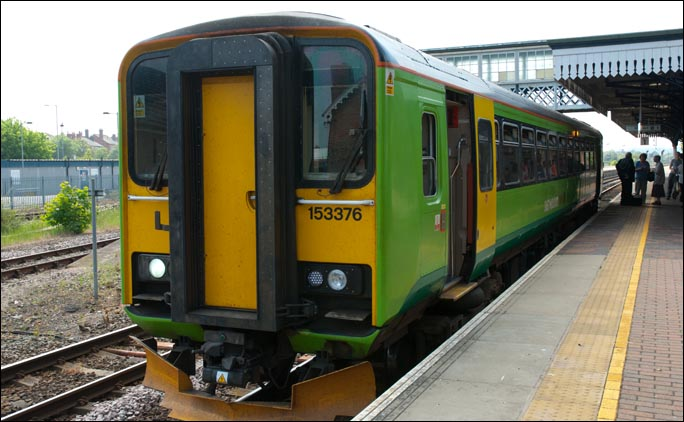 East Midland Trains class 153376 at Sleaford station