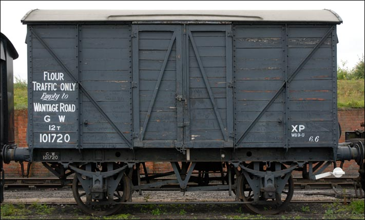 Great Western Railway 12 tons Mink A covered van